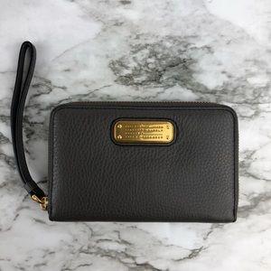 NEW Marc Jacobs Phone Case Wallet Wristlet $148